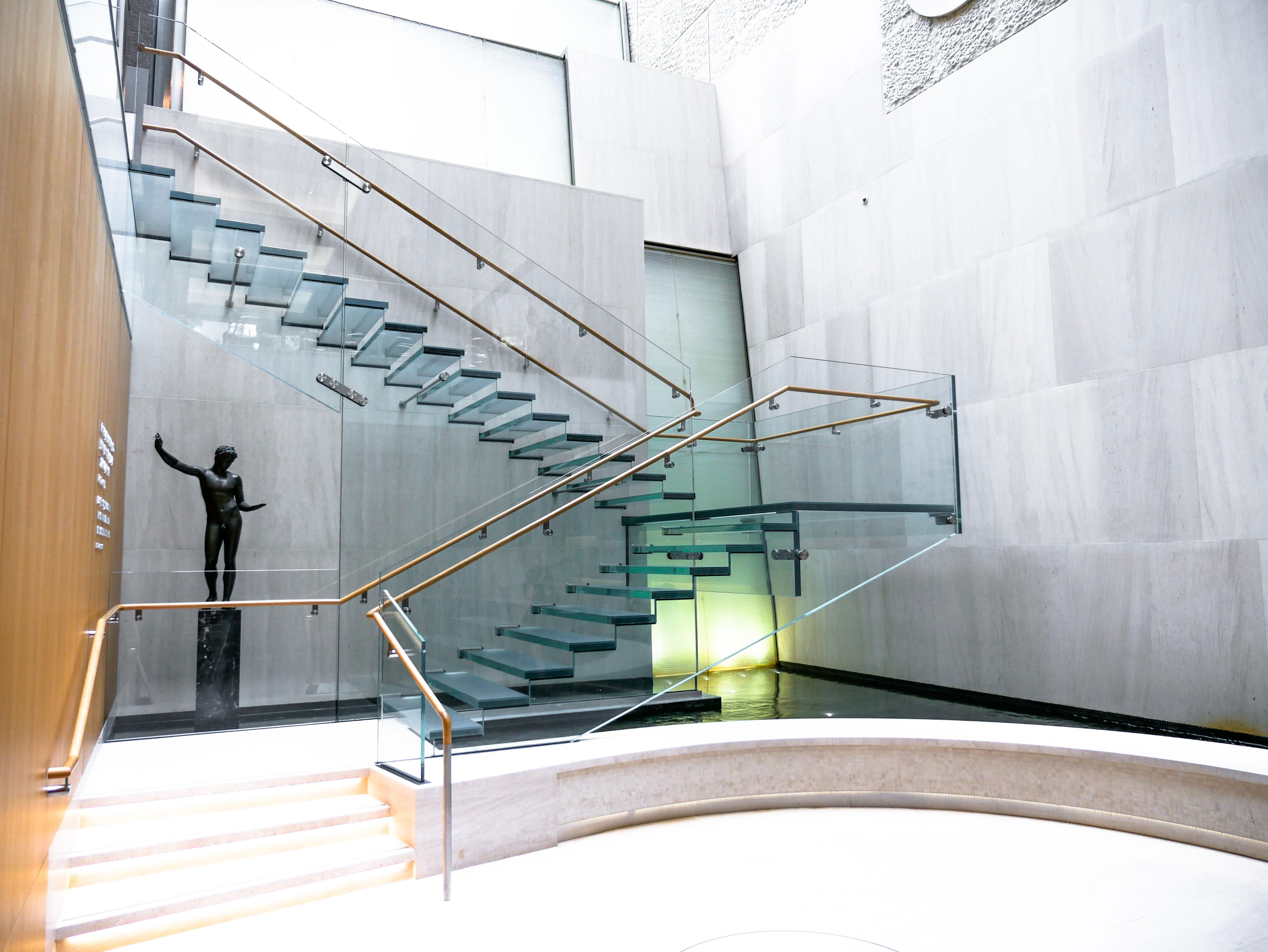 Onassis All Glass Staircase Agnora | Metal And Glass Staircase