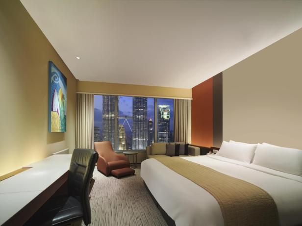 Traders Hotel by Shangri-La