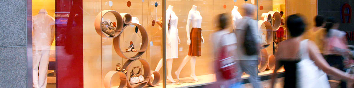 Featured photo - shoppers on Orchard Road in Singapore