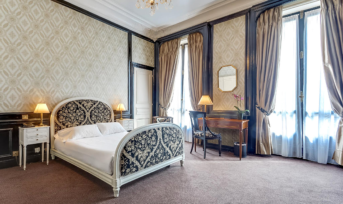Paris shopping-France-Normandy Hotel