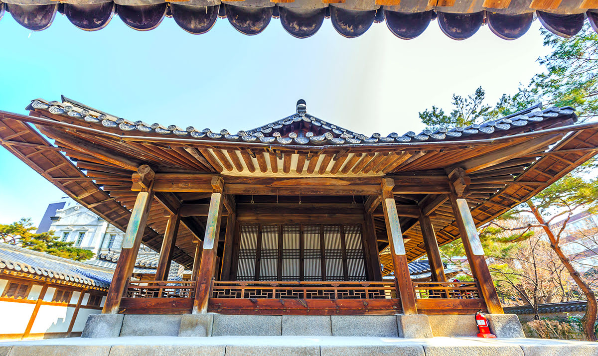 Where to stay in Seoul-South Korea-Insadong-Tapgol Park-Unhyeongung