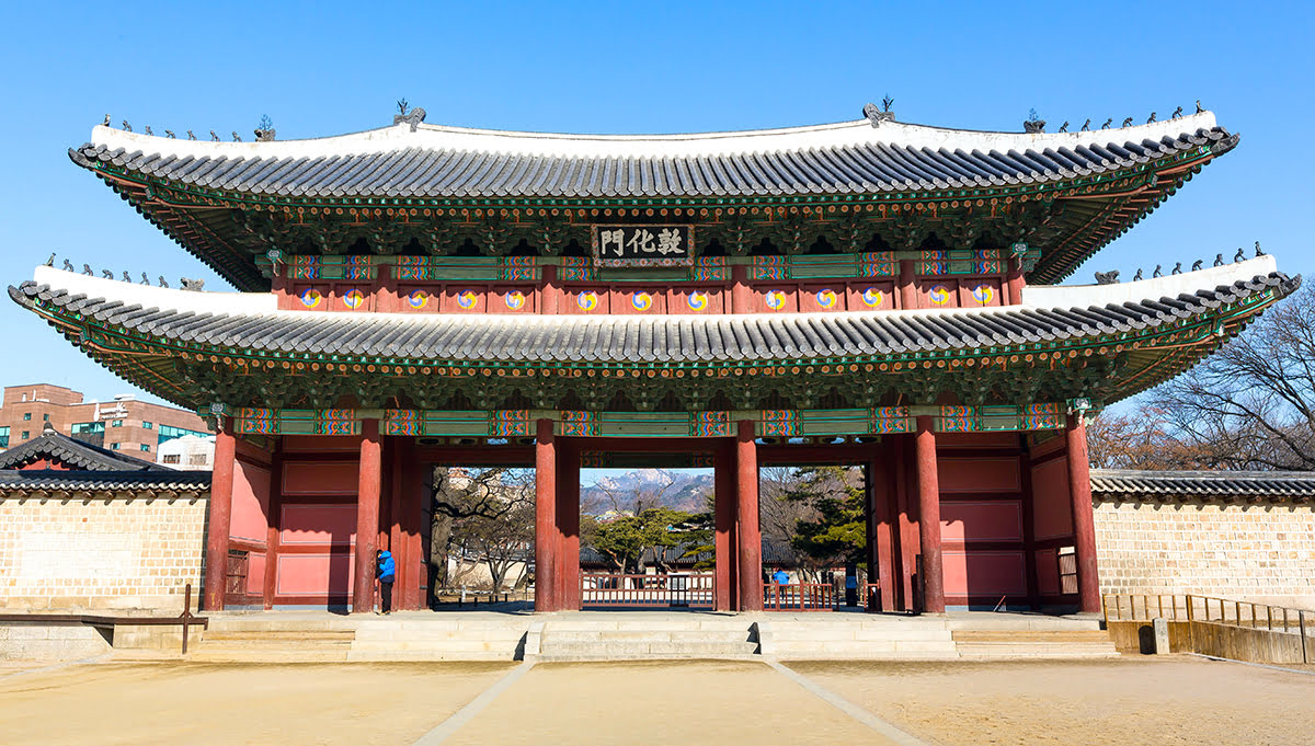 Where to stay in Seoul-South Korea-Myeong-dong Cathedral-Changdeokgung Palace