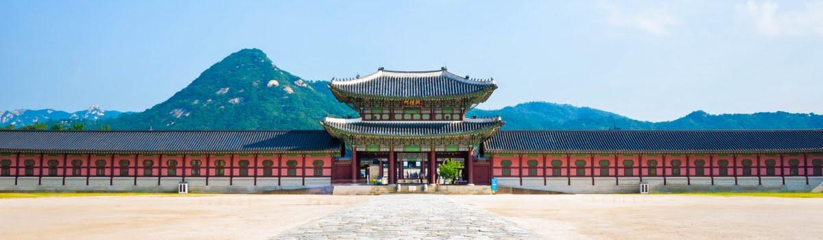 ผลการค้นหารูปภาพสำหรับ พระราชวังคย็องบก