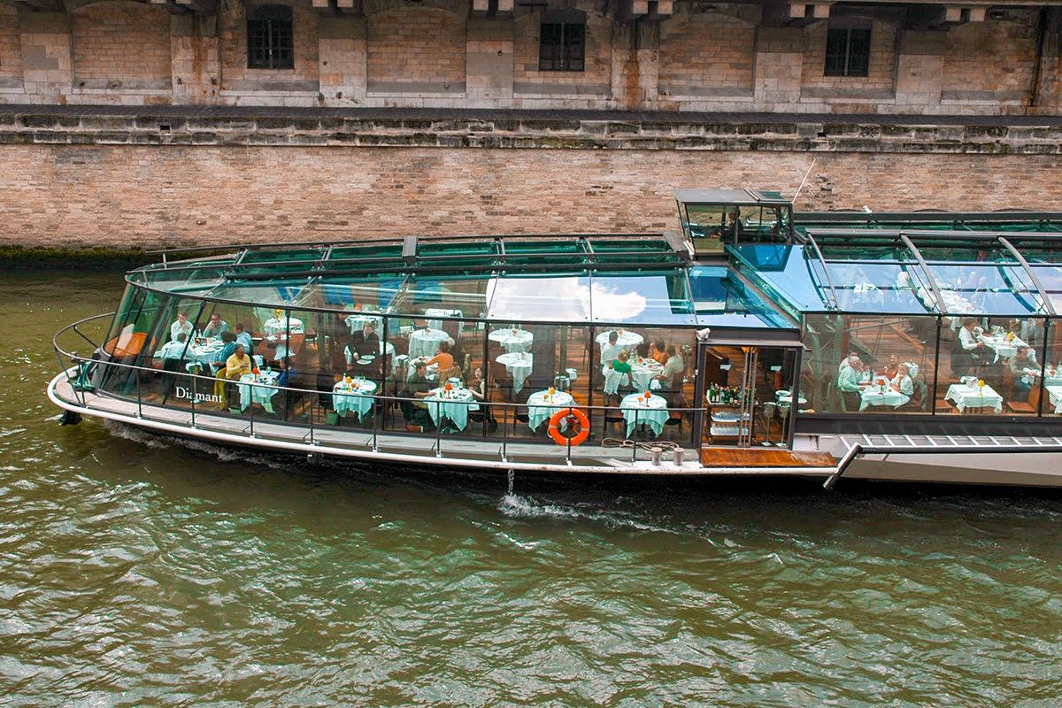 Latin Quarter-Paris-peniches-dining-river cruise-boat