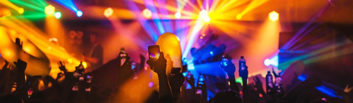 https://www.agoda.com/wp-content/uploads/2019/05/Paris-Nightlife-Featured-photo-1200x350-night-club-or-cabaret-in-Paris.jpg