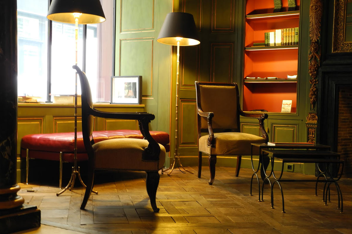 What to buy in Paris-shopping-souvenirs-Hotel Du Vieux Marais