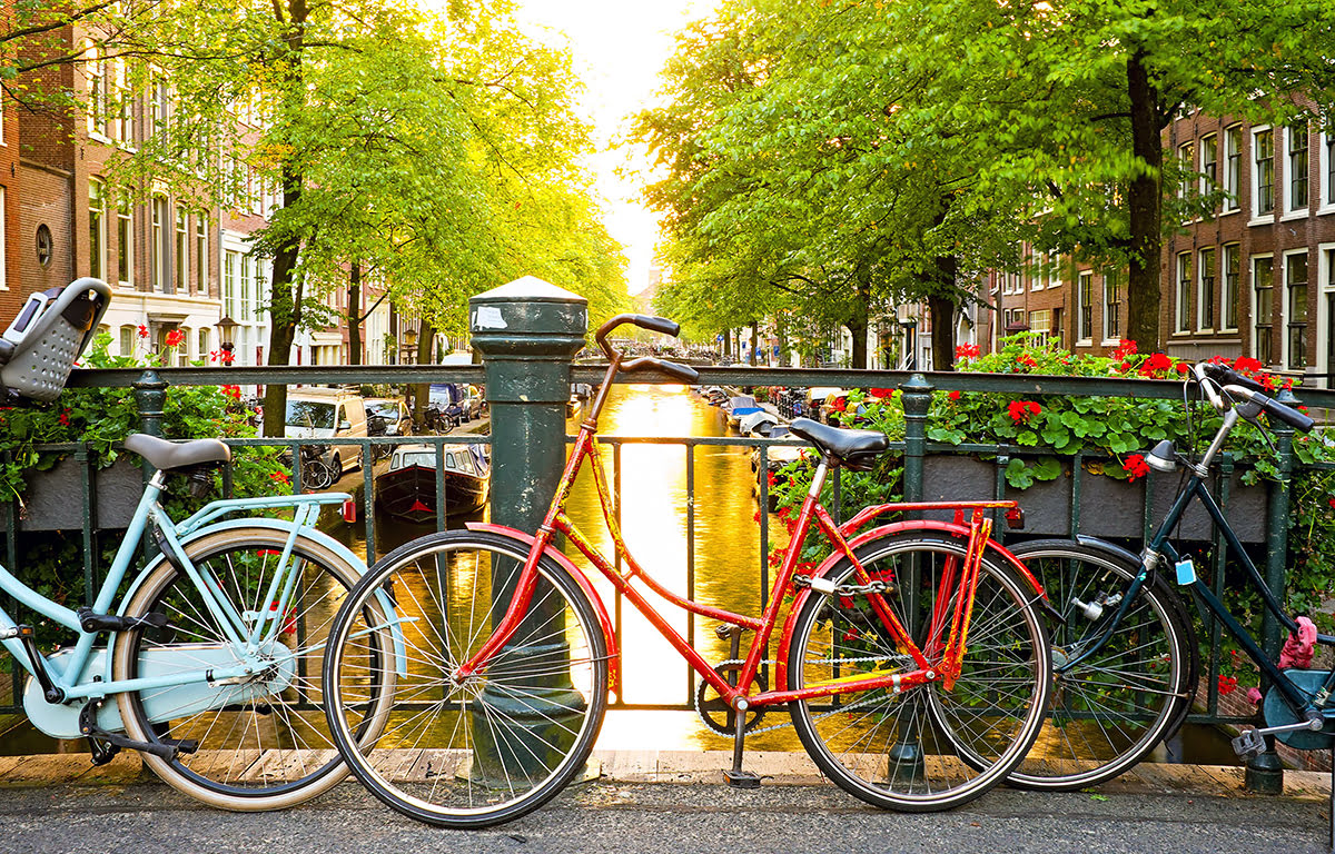 Bicycle tours in Europe-bike-friendly cities-Amsterdam-canals