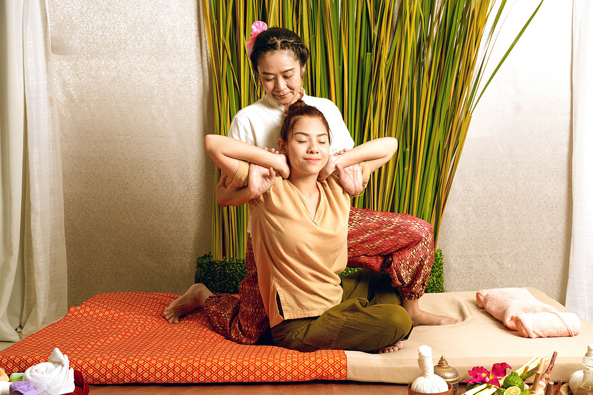 Massage in Bangkok-Thailand-Let's Relax-Asia Herb Association Herbal Massage & Spa