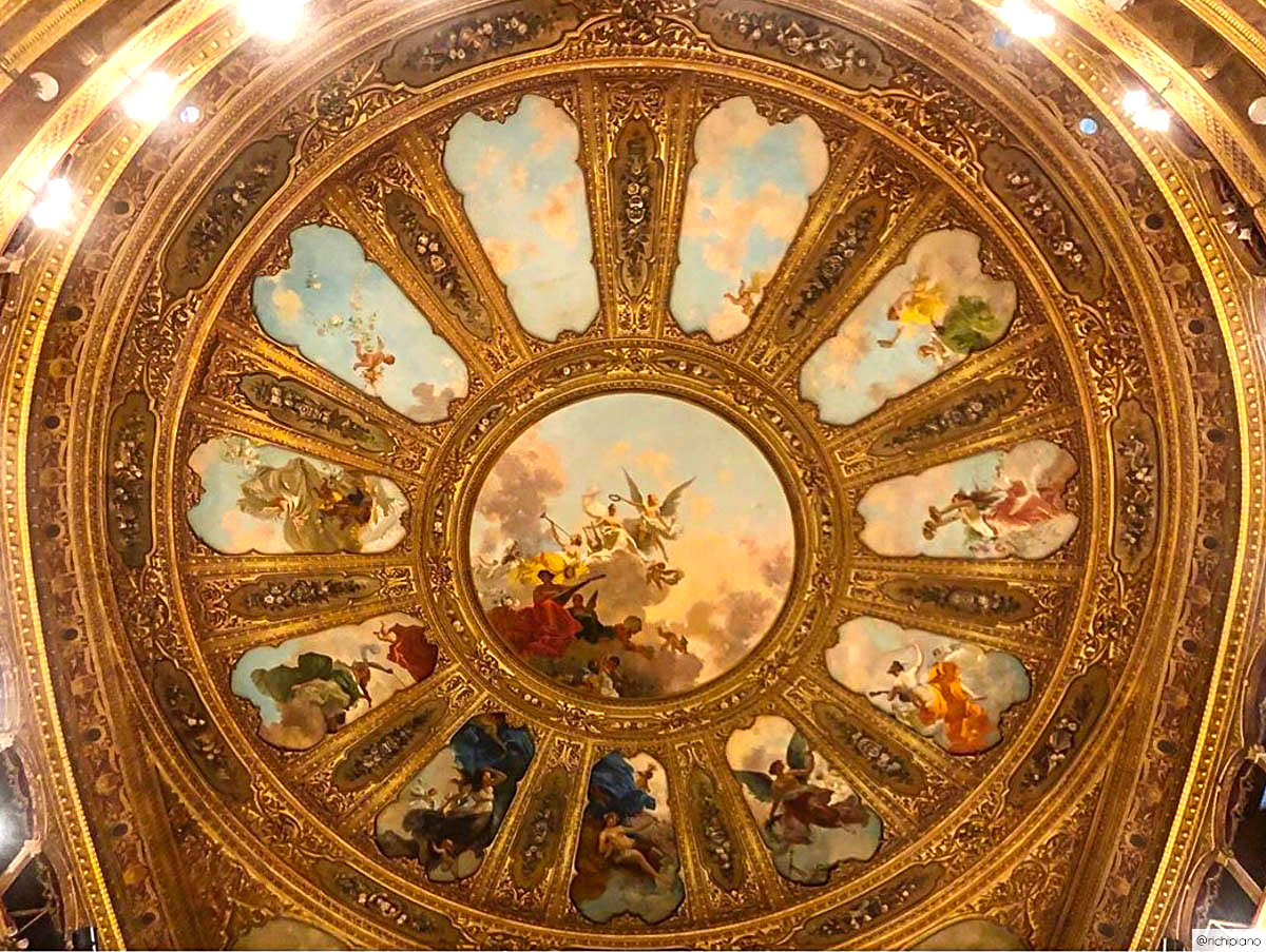 Things to do in Sicily-Italy-Massimo Theater-inside-seating