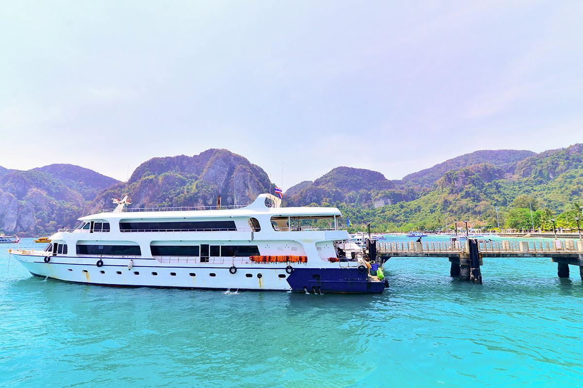 Getting Around Phuket | Local Transport - Buses, Tuk Tuks, Taxis & Boats