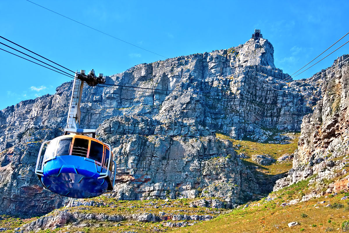 Best graduation trips-cheap summer vacations-Table Mountain-Cape Town-South Africa
