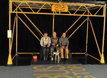 "Sorrento Incontra. Circo contemporaneo con i Five Quartet Trio in ""Bus Stop"""