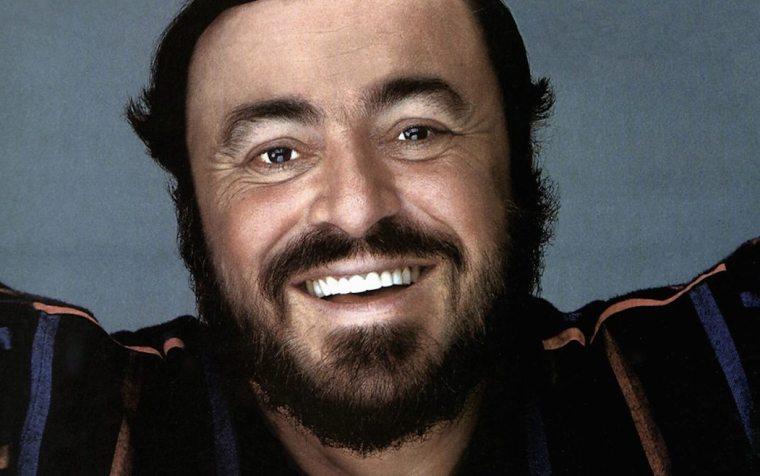 """Musica. """"Qui dove il mare luccica"""", omaggio a Luciano Pavarotti"""