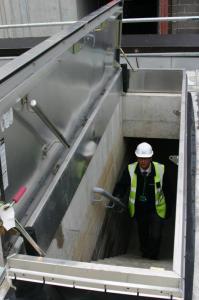 Accès direct de la cage d'escalier sur le toit - facilité d'utilisation et sécurité