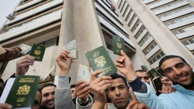 Photo of مهاجرون ومقيمون سابقون بليبيا يحتجون أمام سفارتها بالمغرب