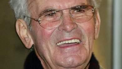 """Photo of بعد أن علم بإصابته بمرض قاتل: انتحار أحد مؤسسي سلسلة متاجر """"مترو""""  عن سن 89 سنة"""