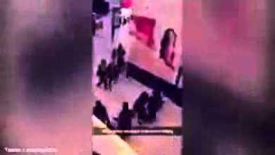 Photo of مسلح يزرع الرعب في مركز تجاري بلندن
