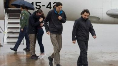 Photo of وصول الصحفيين الثلاثة الذين كانوا مختطفين في سورية إلى إسبانيا