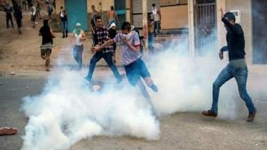 Photo of مواجهات ليليّة عنيفة بين محتجين والقوات العمومية بامزورن