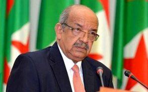 """رئيس الدبلوماسية الجزائرية يهاجم المغرب بلغو """"المحششين"""" و""""المعتوهين"""""""
