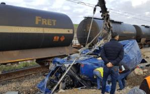 طنجة: 6 قتلى و14 جريحا في حادث اصطدام قطار بحافلة…