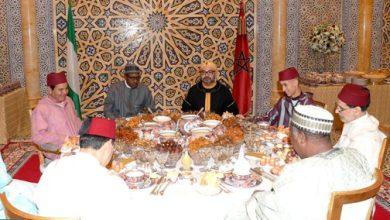 Photo of الملك يقيم مأدبة إفطار على شرف رئيس جمهورية نيجيريا الفيدرالية