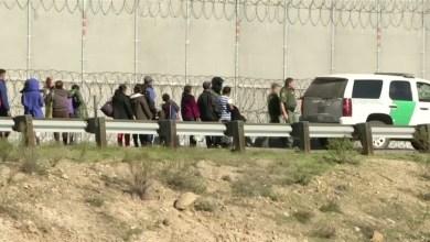 Photo of فيديو: صدمة في الولايات المتحدة بعد وفاة طفلة مهاجرة أوقفها حرس الحدود الأمريكي