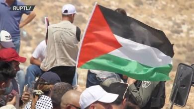 Photo of حالات اختناق جراء قمع قوات الاحتلال لمسيرة سلمية فلسطينية