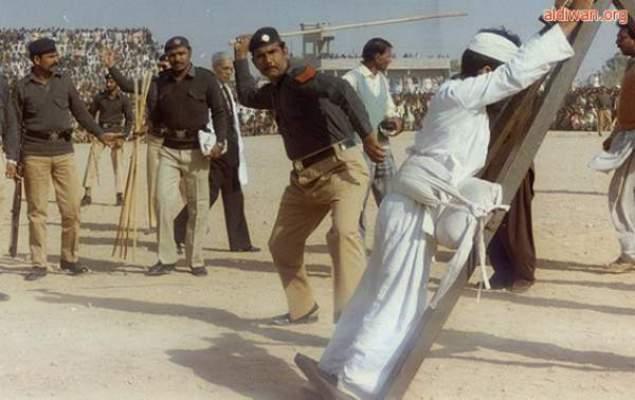 Photo of عشرون جلدة لسعودي ضرب زوجته على كتفها مازحاً