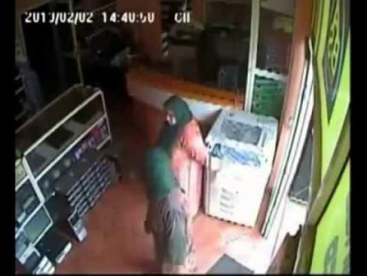 Photo of شاهد بالفيديو  عصابة خطيرة لسرقة الحواسيب تتزعمها ثلاث نساء