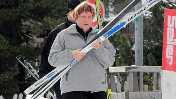 Photo of أنجيلا ميركل تنزلق وتكسر عظمة من حوضها وهي تتزلج