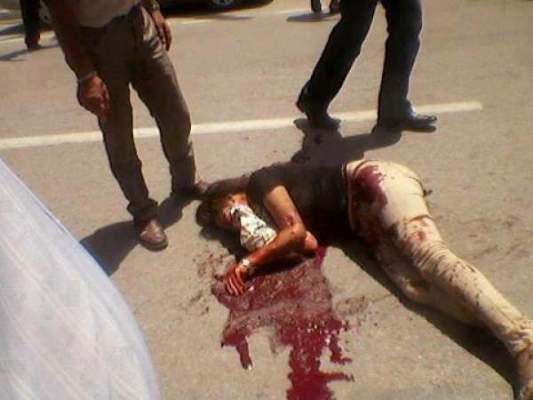 Photo of شاهد : الشك في الخيانة يدفع امرأة إلى طعن زوجها صبيحة العيد بسيف كبير
