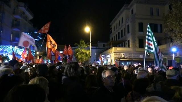 Ostia, Fnsi: «Grazie a chi era in piazza per difendere Costituzione e democrazia»