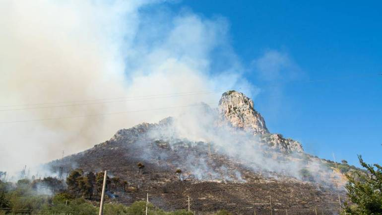 Terracina. Monte Leano: incendi in estate e crolli e caccia in inverno