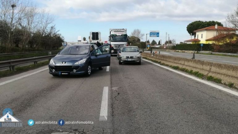 Latina. Incidente sulla Pontina, traffico in tilt