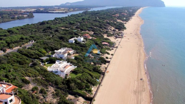 Sabaudia. Dopo 56 anni di cause la Cassazione decide: le ville sulla duna sono legittime