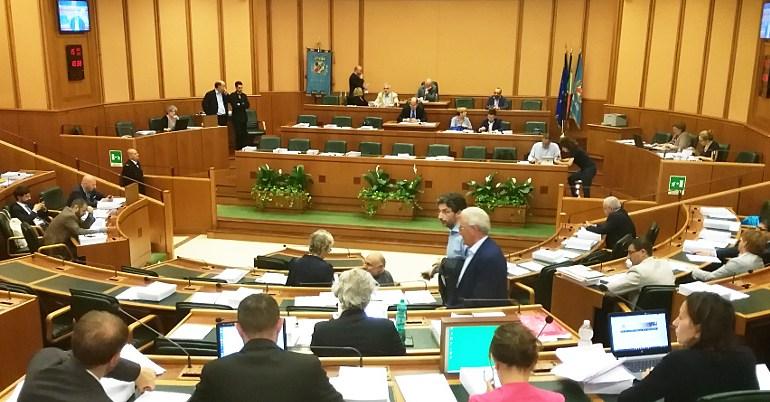 Il Consiglio regionale vota la censura a Panella dell'Umberto I