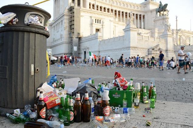 """Rifiuti. Lega Lazio:""""Raggi piange, M5S – Pd hanno distrutto Roma"""""""