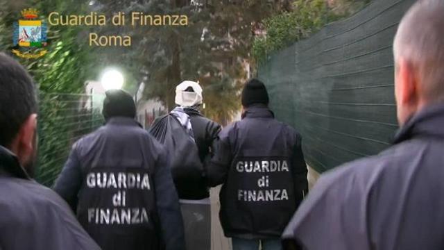 Evasione da 100 milioni di euro, 21 gli arrestati