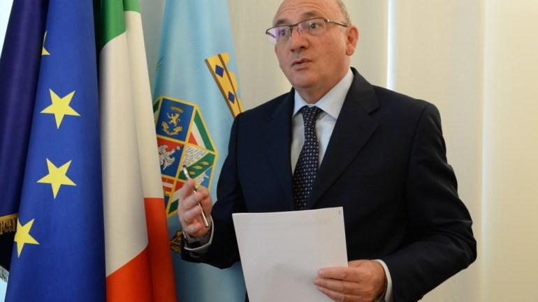 """Simeone (FI):""""Saldi invernali ed estivi, la Regione chieda revisione date inizio"""""""