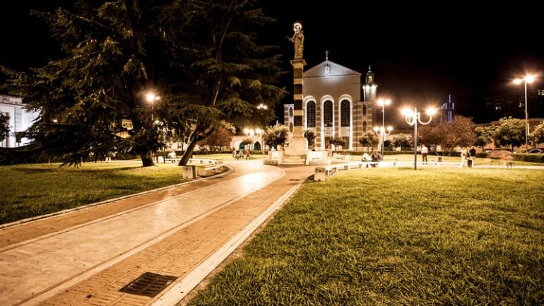 """Latina. Straniero urina in piazza: denuncia per l'aggressore, cure al pronto soccorso per l'incontinente"""""""