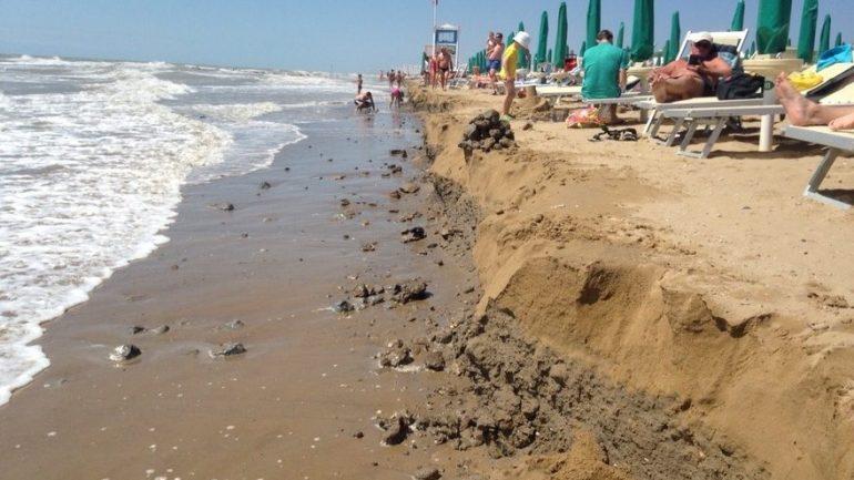 L'erosione costiera colpisce i lavoratori under 30