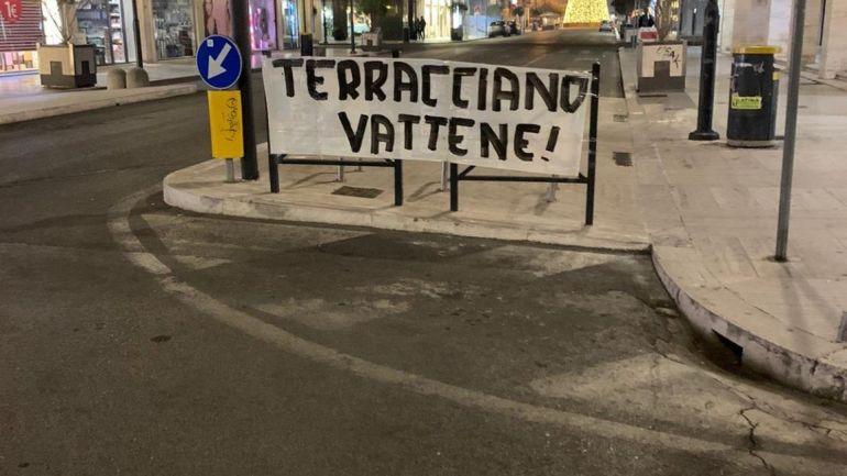 Calcio a Latina e striscioni contro il presidente Terracciano