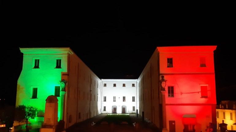 Zagarolo illumina con il tricolore Palazzo Rospigliosi