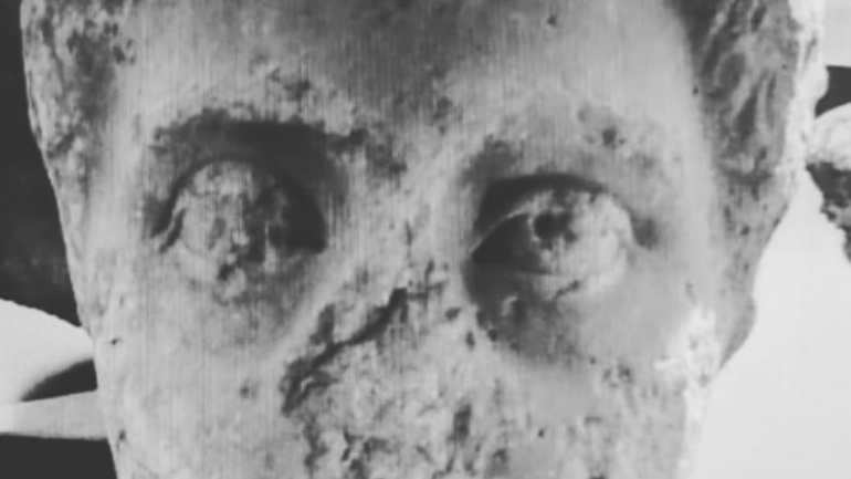 Fondi. Ritrovata testa di epoca romana rubata nell'aula consiliare