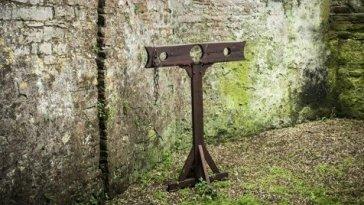Les Implications religieuses d'un narratif français