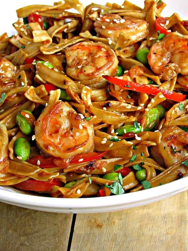 From the Mueller's®  Pasta Matchmaker ~ simple, any night Asian Pan Fried Noodles with Shrimp. Make it in under 30 minutes; ideal for company, too!