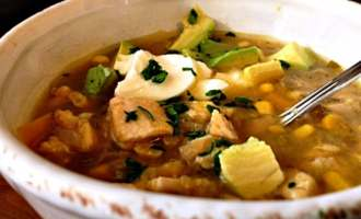 White Chicken Chili ~ easy, warming weeknight meal using jarred salsa verde plus fresh ingredients. Delicious, hearty and full of flavor.