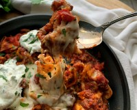 Easy skillet lasagna with cheese pull