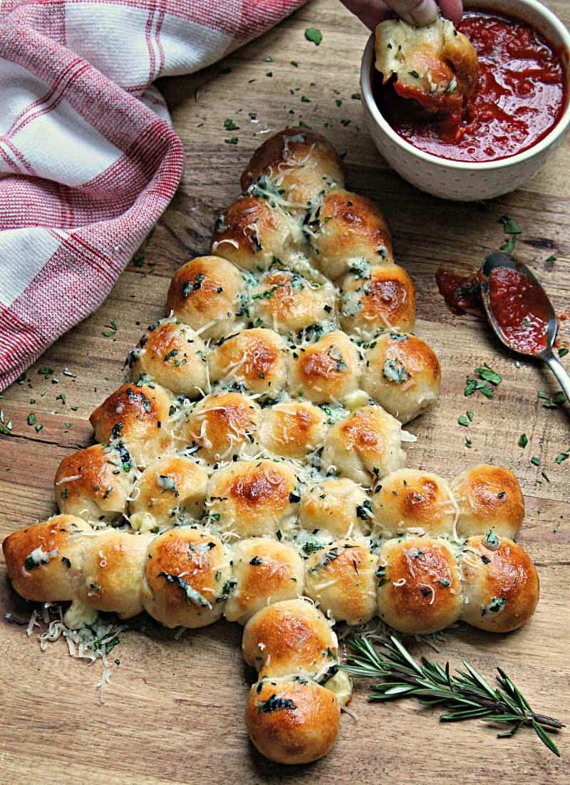 tree shaped bread with marinara